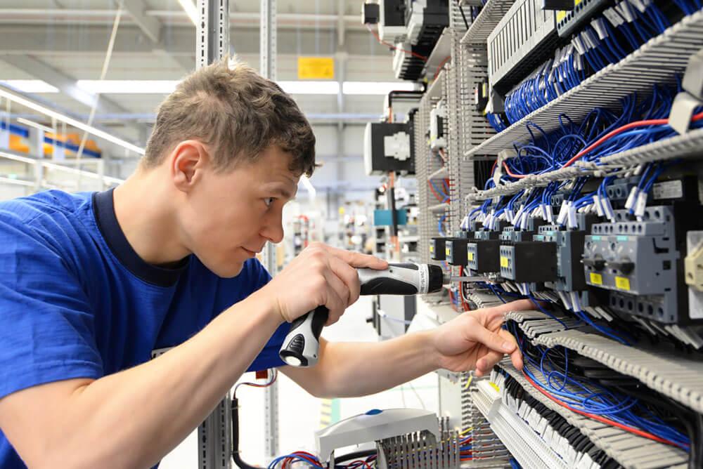Karriere als Elektroniker oder Fachinformatiker
